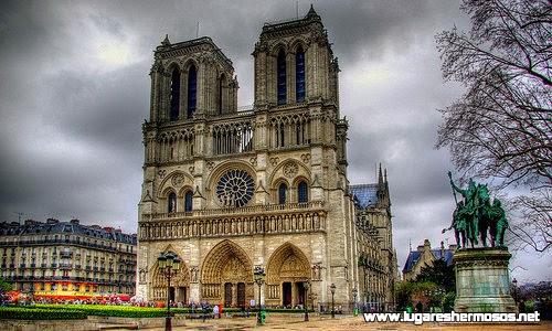 Recorriendo lugares hermosos en Paris