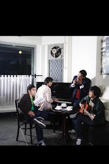 """<a href="""" http://4.bp.blogspot.com/-oTIuuB0ZmMQ/UQs8tnNgcrI/AAAAAAAAF1g/qZ9A5M_X5x8/s320/abdul+and+the+coffe+theory+1.jpg""""><img alt=""""Koleksi Lagu Abdul And The Coffee Theory,Biografi dan Profil Abdul and the Coffee Theory,musik jazz di indonesia, minoritas dinegeri sendiri,kreasi anak negeri lewat lagu"""" src=""""http://4.bp.blogspot.com/-oTIuuB0ZmMQ/UQs8tnNgcrI/AAAAAAAAF1g/qZ9A5M_X5x8/s320/abdul+and+the+coffe+theory+1.jpg""""/></a>"""