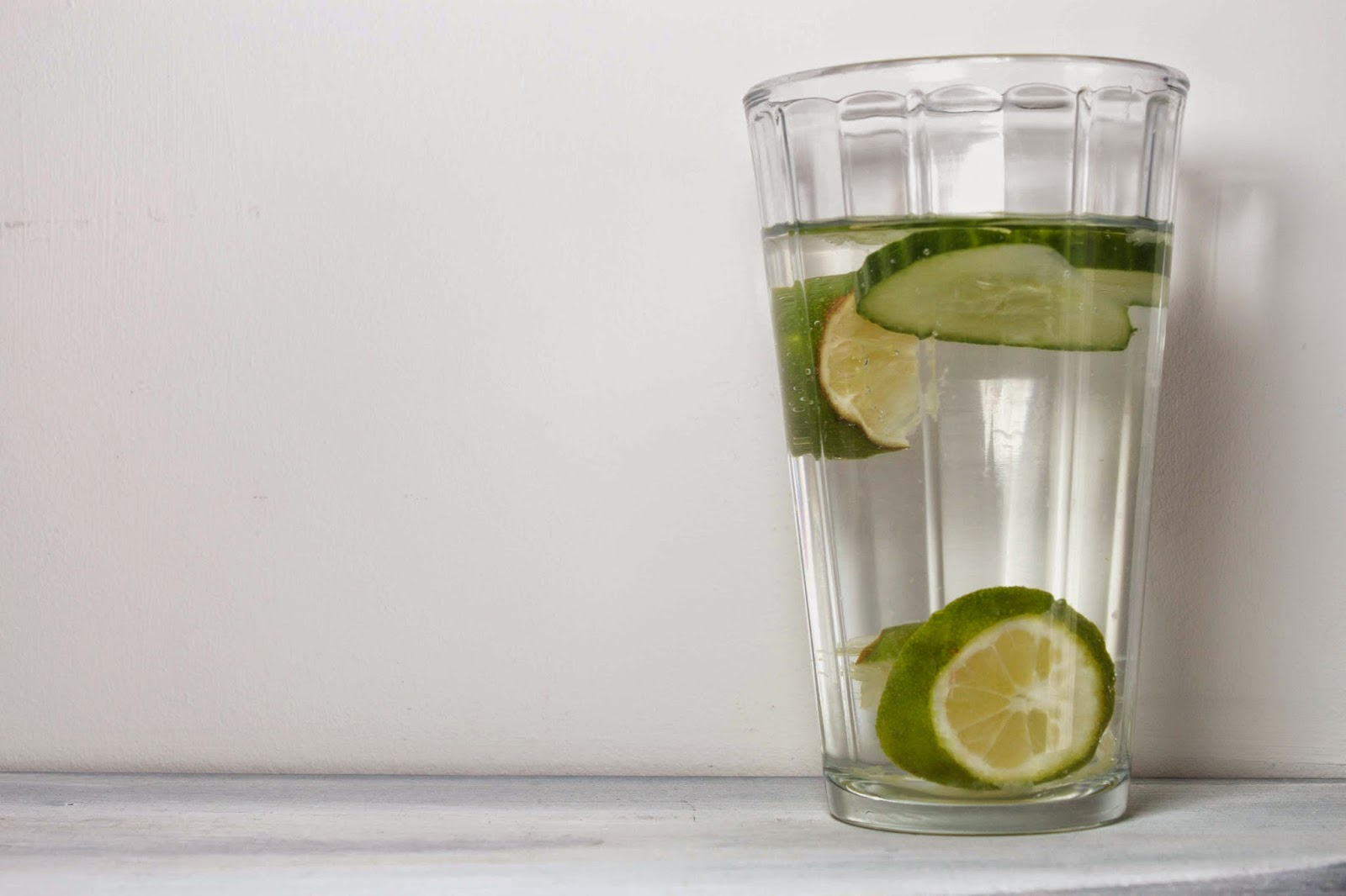 FOOD : WHY YOU SHOULD DRINK CUCUMBER WATER