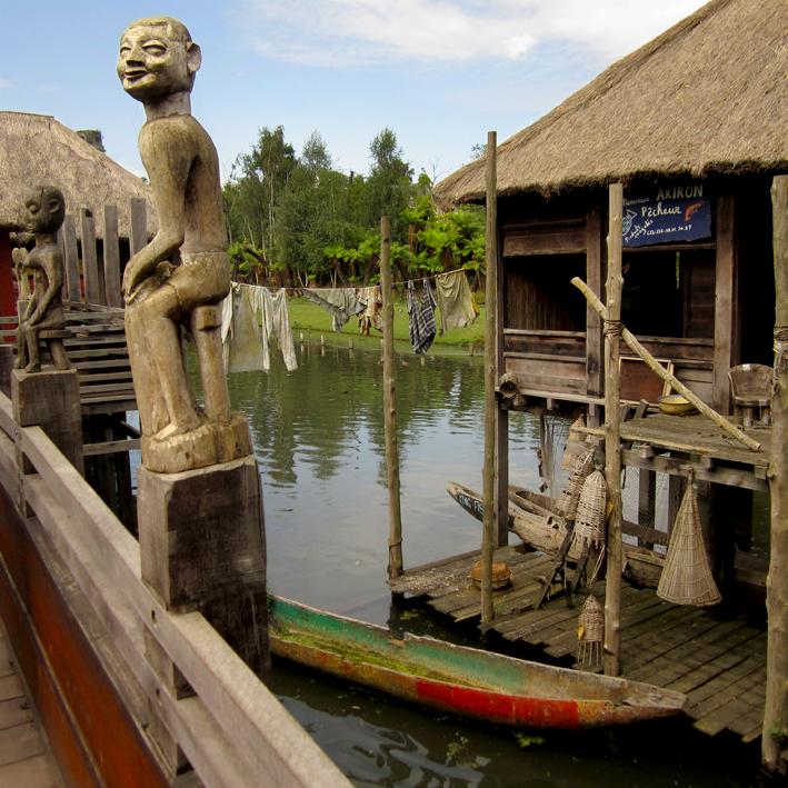 Pairi Daiza - petit village de Timor - http://spicerabbits.blogspot.fr/