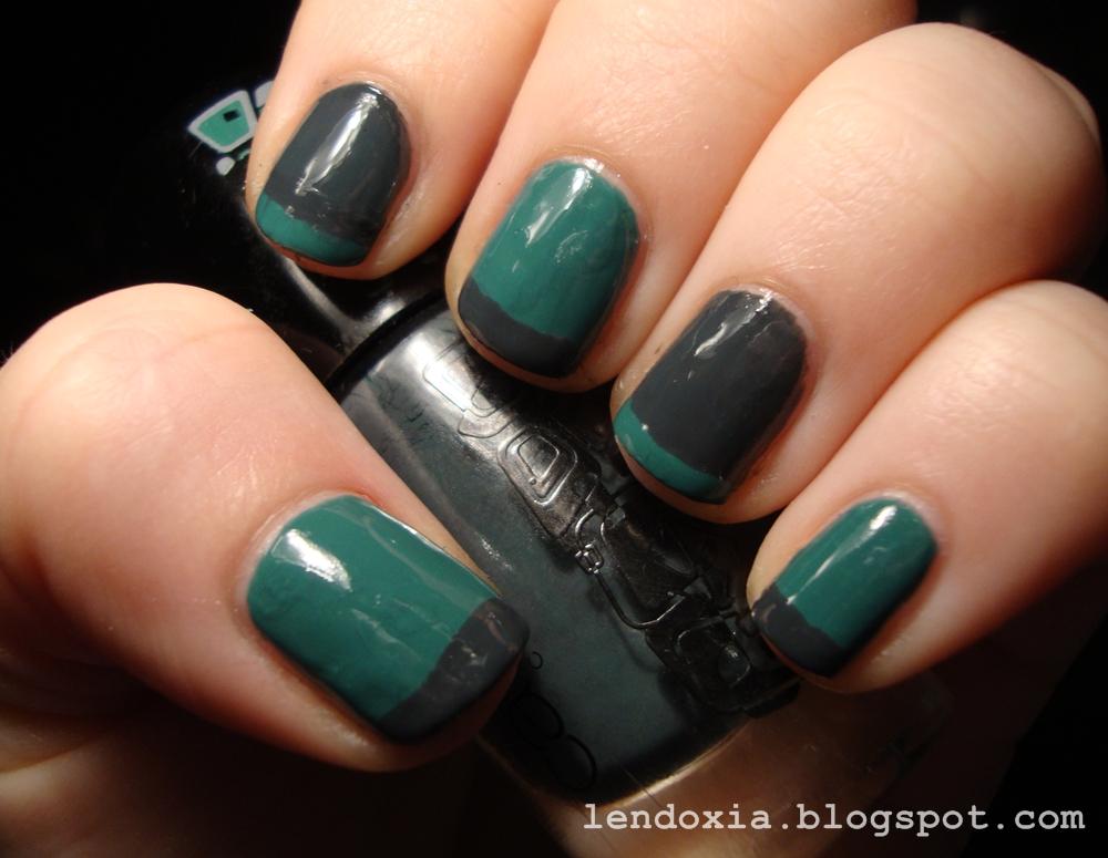 zelena francuska manikura na kratkim noktima