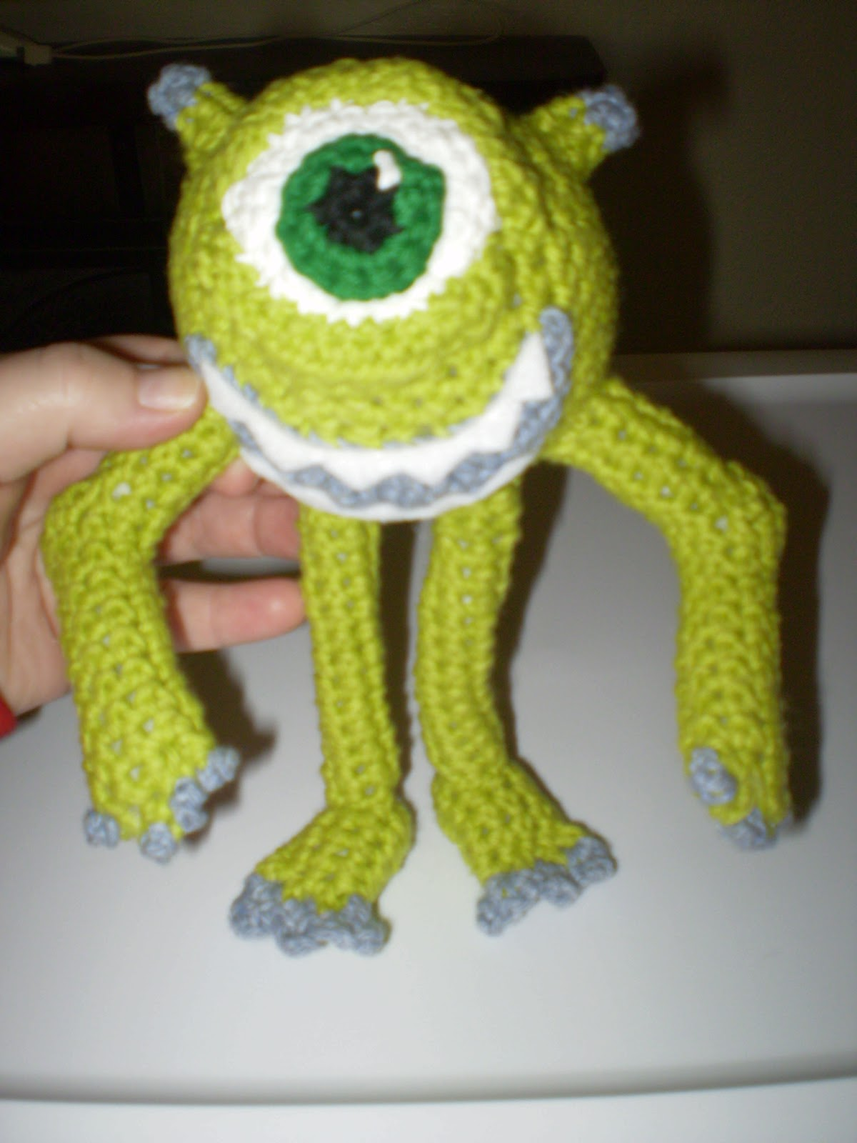 Bob Minion Amigurumi Pattern : MaeBelleCreations and Musings: Angry Birds, Mike Wazowski ...