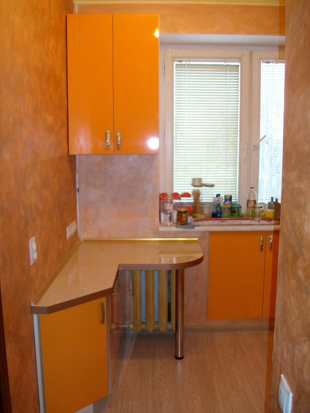 Идеи интерьера и дизайн маленькой кухни в хрущевке - фото се.
