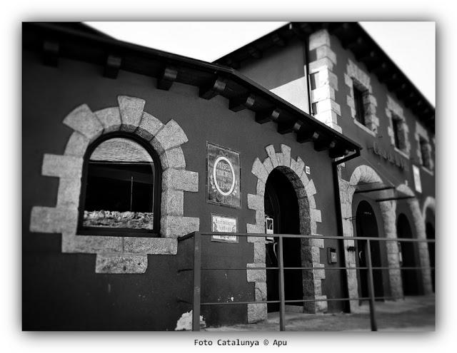 LLívia farmacia botica antigua