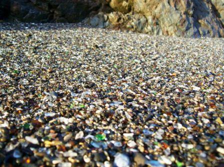 9 Pantai Berkaca di California