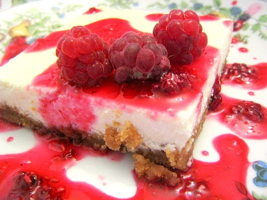 White Chocolate and Raspberry Cheesecake with Thermomix