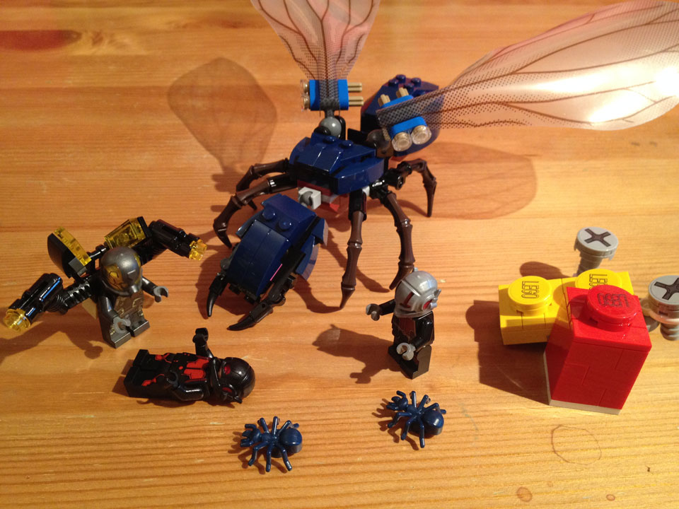 Fully Jointed Play Figures: Lego Superheroes Marvel's Ant-Man