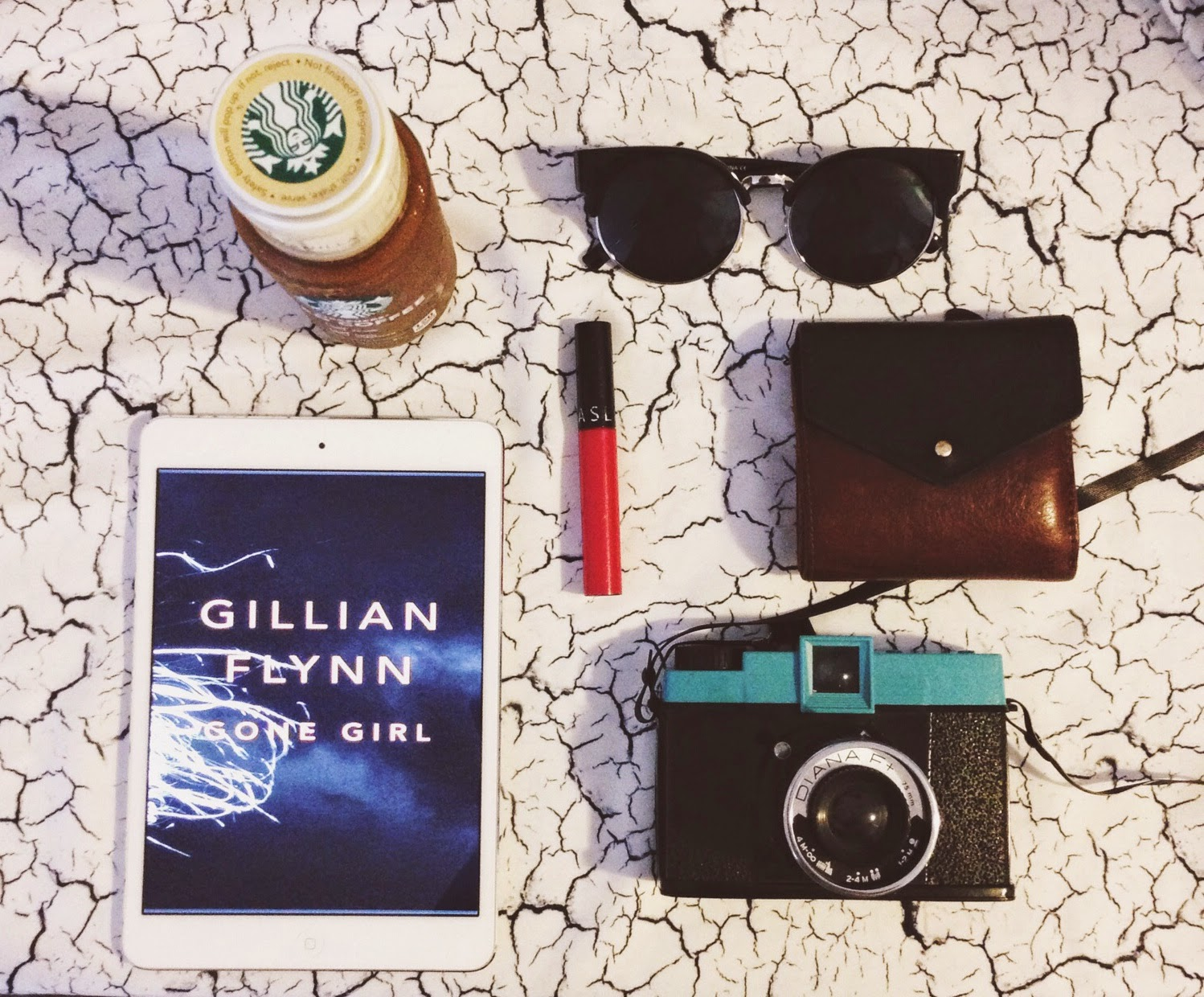 what's in my bag, gone girl, diana f+,lomography, bottled starbucks iced coffee, starbucks iced coffee, summer essentials, zerouv cat eye sunglasses