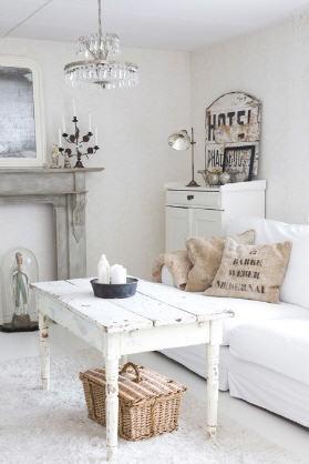 Soffbord soffbord lantligt : Lilla Hanna i Stora världen: Vitt och lite lantligt