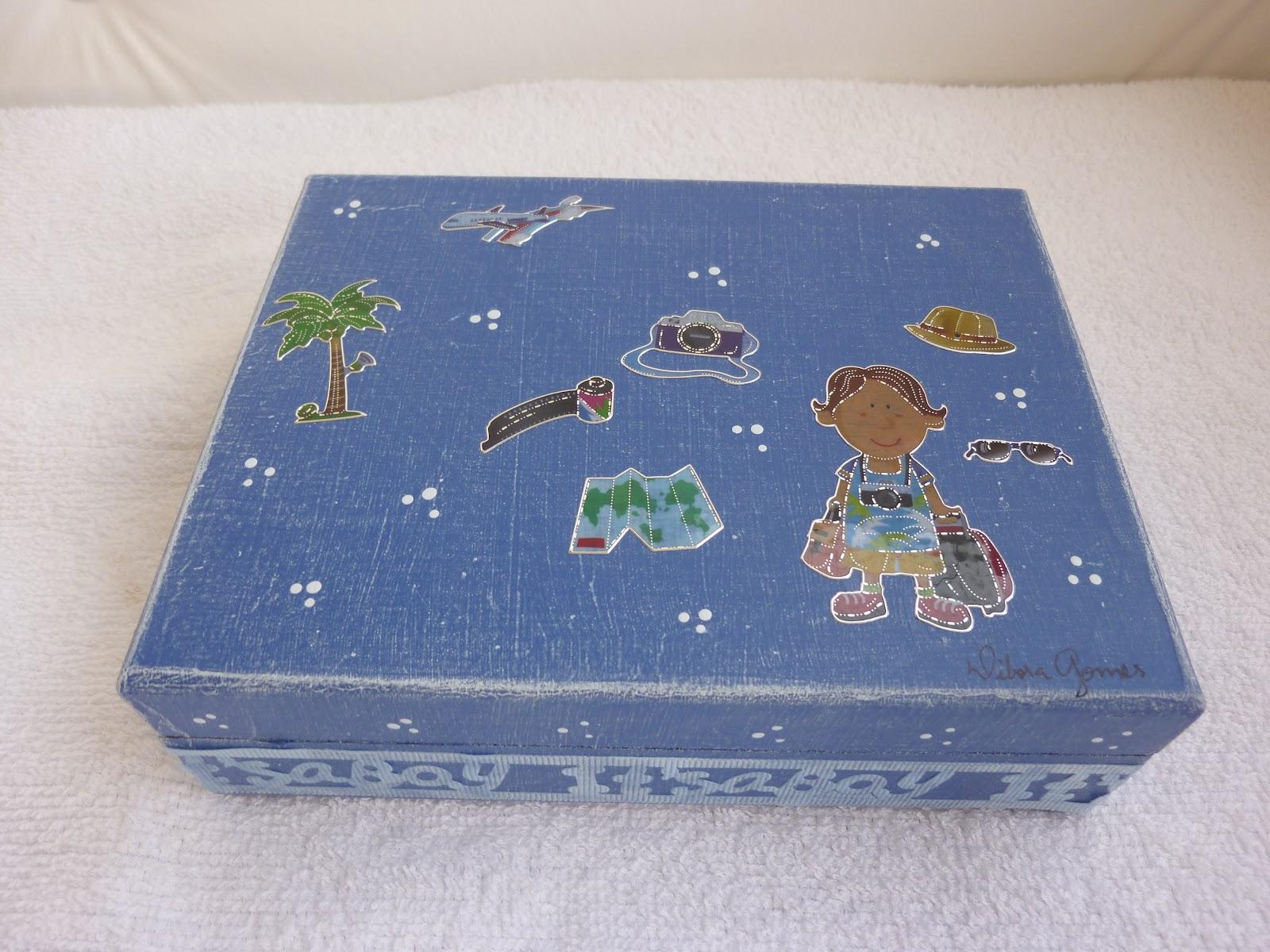 Lembranças com Estilo: Caixa MDF com adesivos para meninos #485C83 1600x1200