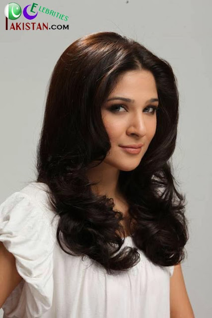 Ayesha Omer Happy December Photoshoot