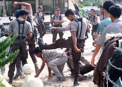 POLISI Indonesia itu keren Banget!