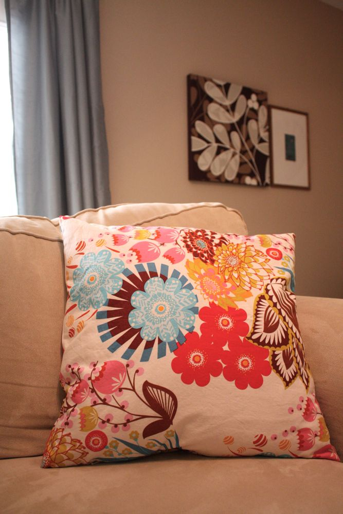 zippered pillow cover tutorial. Black Bedroom Furniture Sets. Home Design Ideas