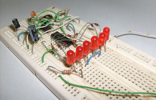 Led Knight Rider Using 4017 And 555 Ics Schematic Board