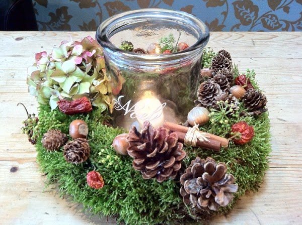 Rustic Christmas table centre by Sheffield Florist Campbell's Flowers.