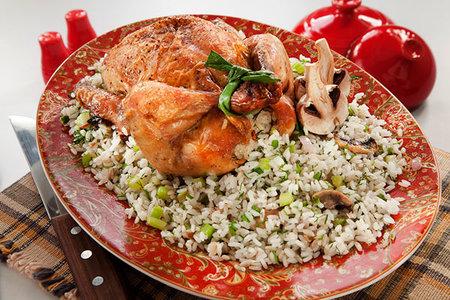 دجاج محشى بالأرز والمشروم