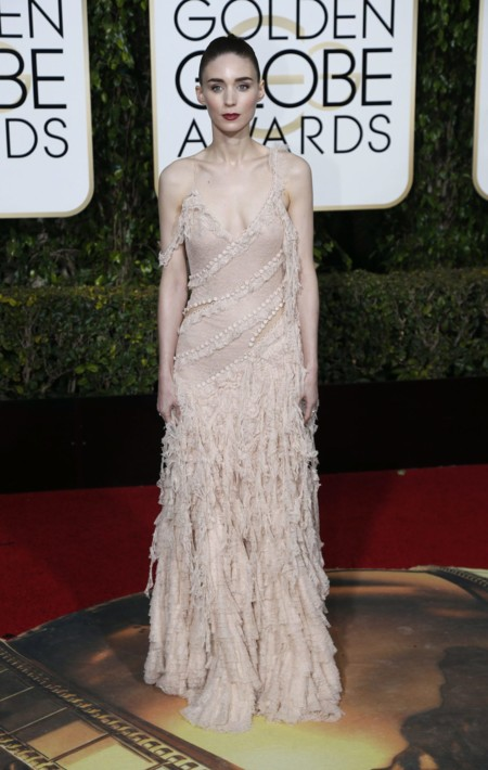 Rooney Mara vestida de Alexander McQueen en los Golden Globes, enero 2016