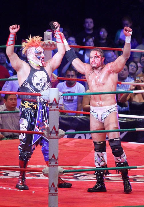 Psycho Clown rapa al Texano