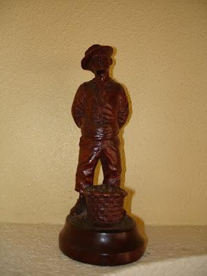 Agricultor 2. Manuel Carrillo Garcia. Pequeña talla en Madera