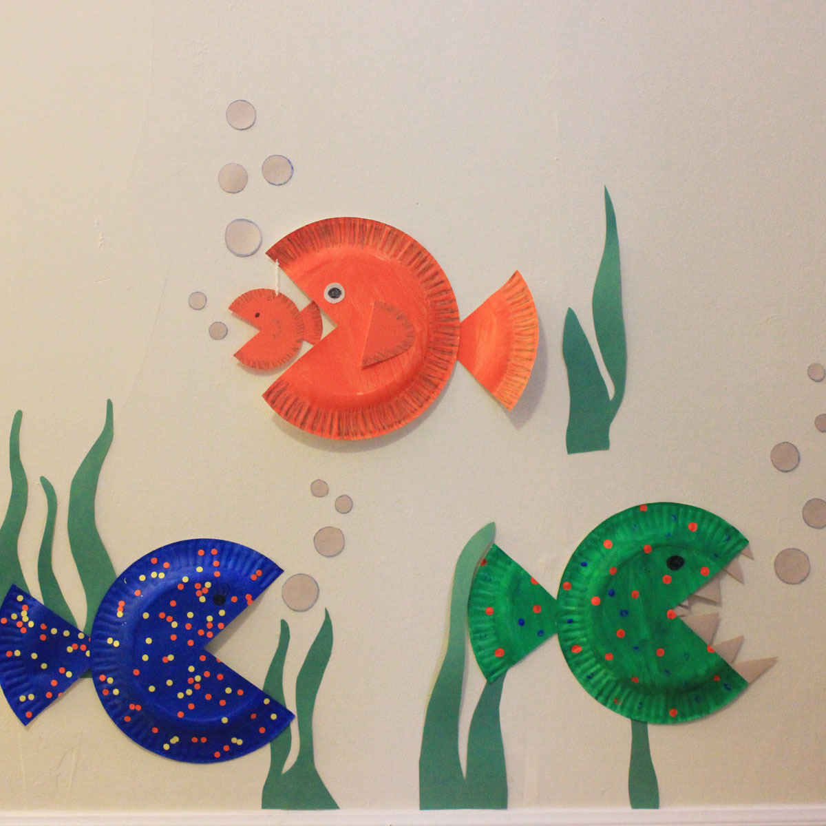 Brilliant like fireflies paper plate fish for What to make with fish
