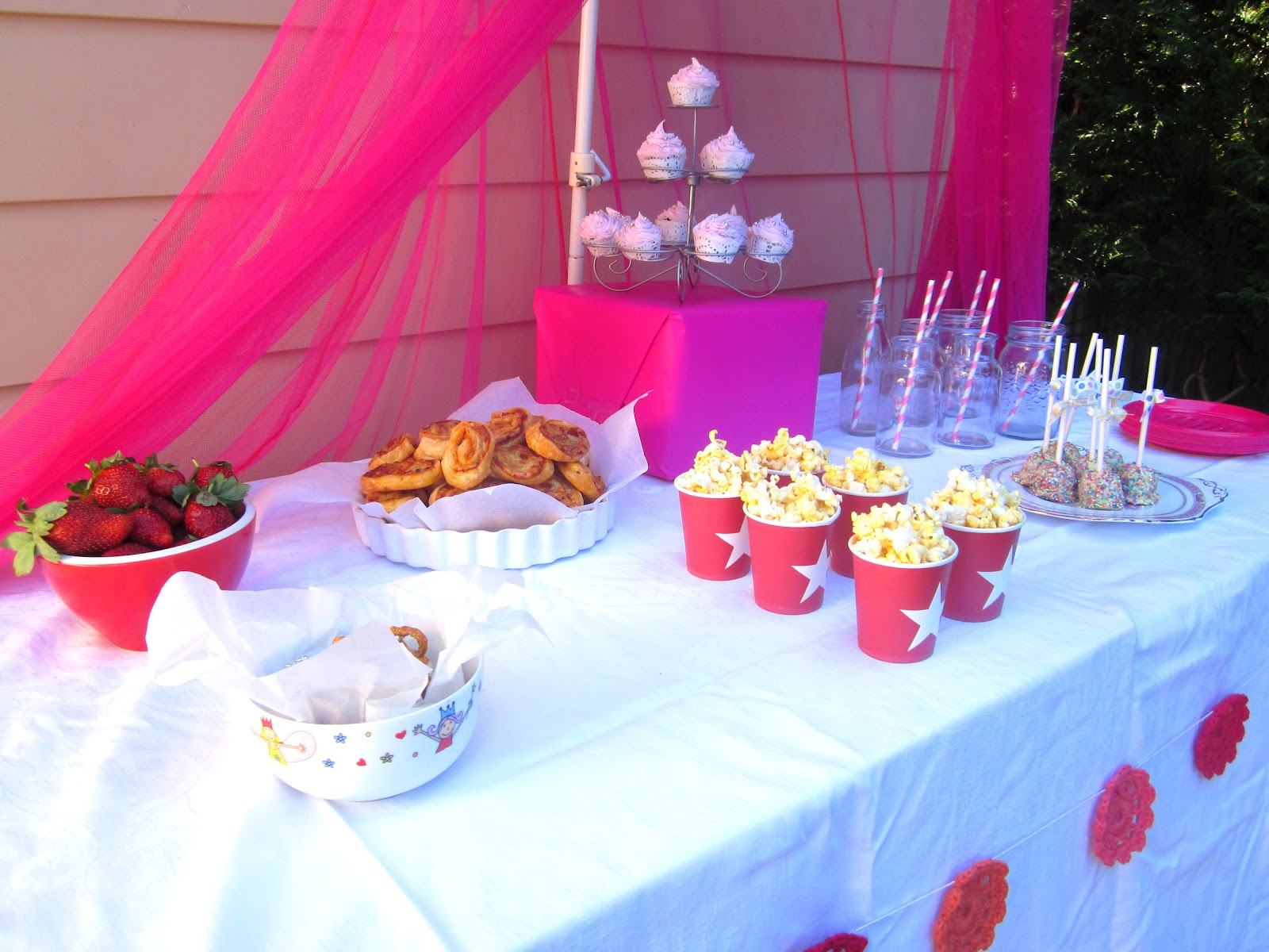 Desire empire simple food ideas for a little girls party for Easy food ideas for parties
