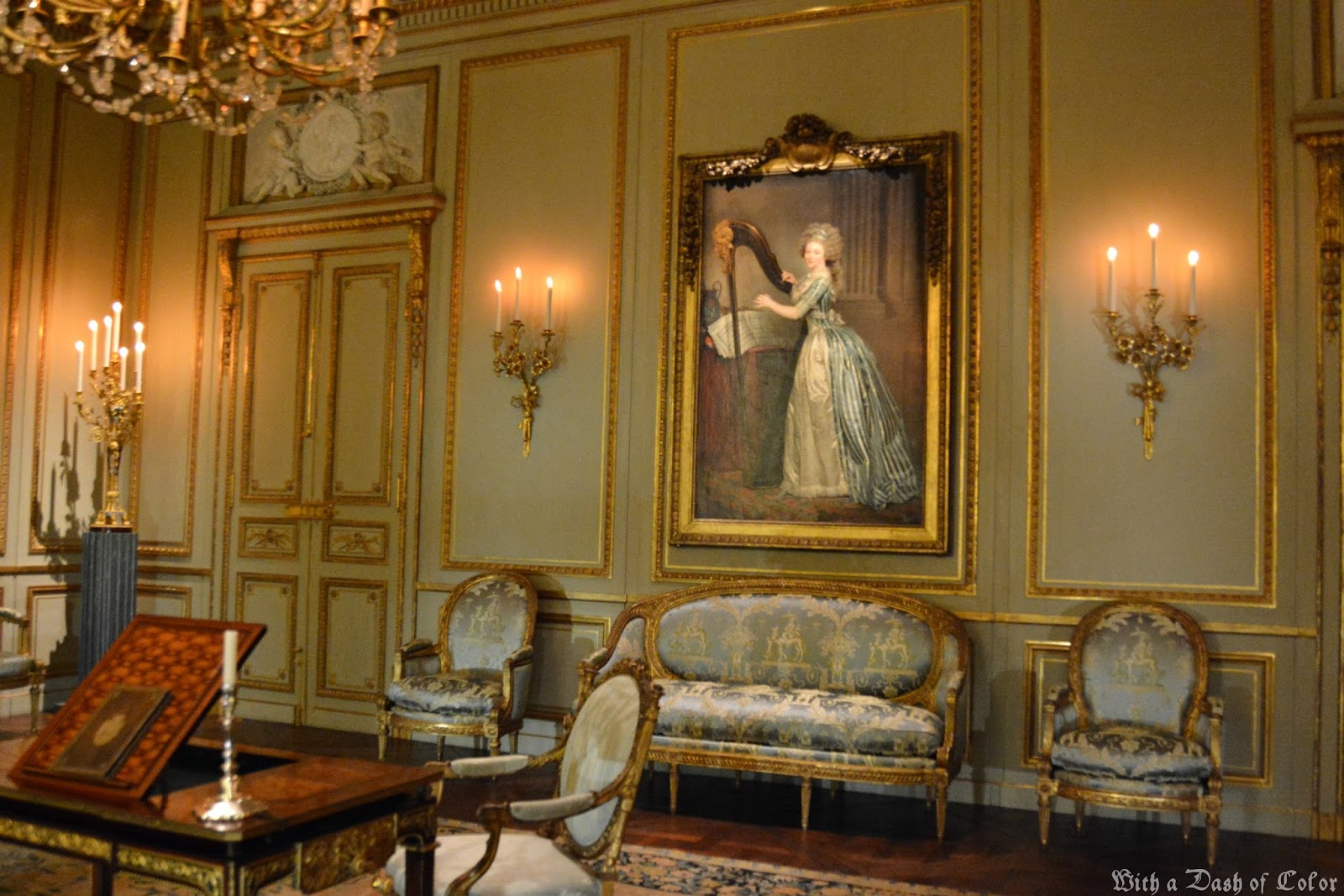 Marie Antoinette Inspired Bedroom With A Dash Of Color French Decor In The Wrightsman Galleries