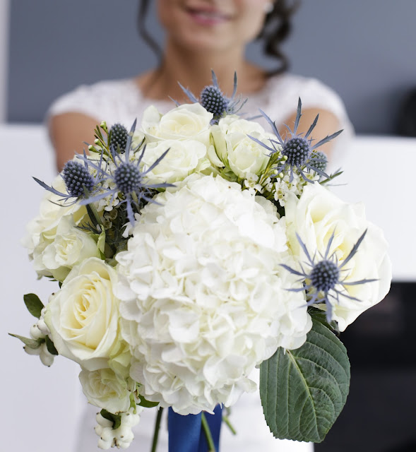 la petite boutique de fleurs le mariage bleu de m lanie et julien. Black Bedroom Furniture Sets. Home Design Ideas