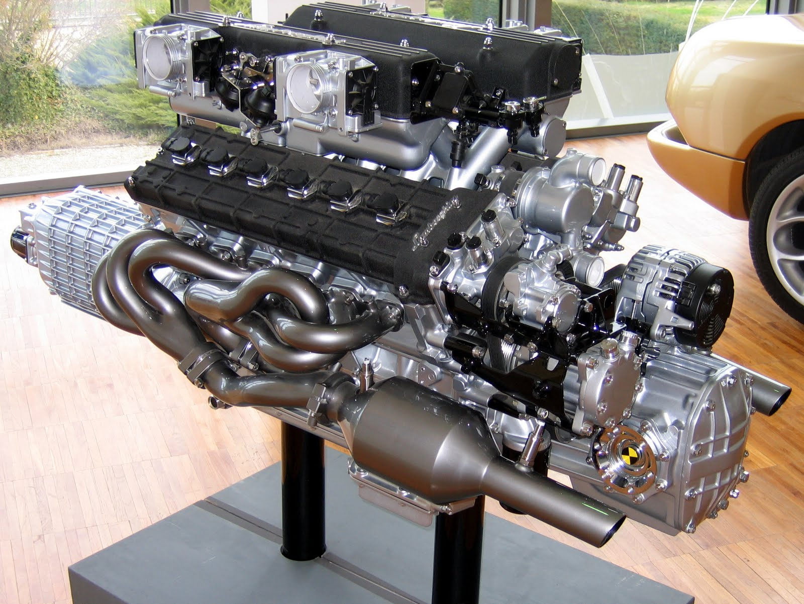 Carblog you lamborghini v12 engine for How much are car motors