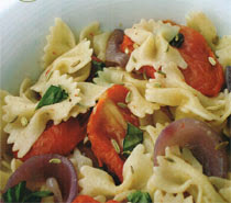 Kurutulmuş Domatesli Makarna Salatası Tarifi