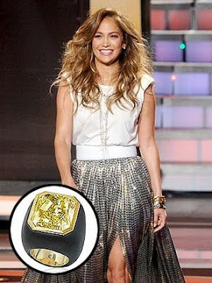Jennifer-Lopez-wore-A-$2.1-Million-Ring-On-American-Idol