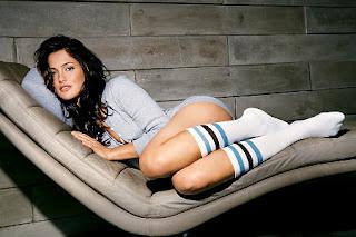 http://4.bp.blogspot.com/-oXCTamwclCA/ThktEA6CqXI/AAAAAAAAF5c/0dnJYGuSpHU/s1600/minka+kelly+sexiest+woman+alive-3.jpg