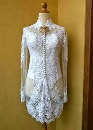 Memilih Variasi Model Baju Kebaya Wisuda