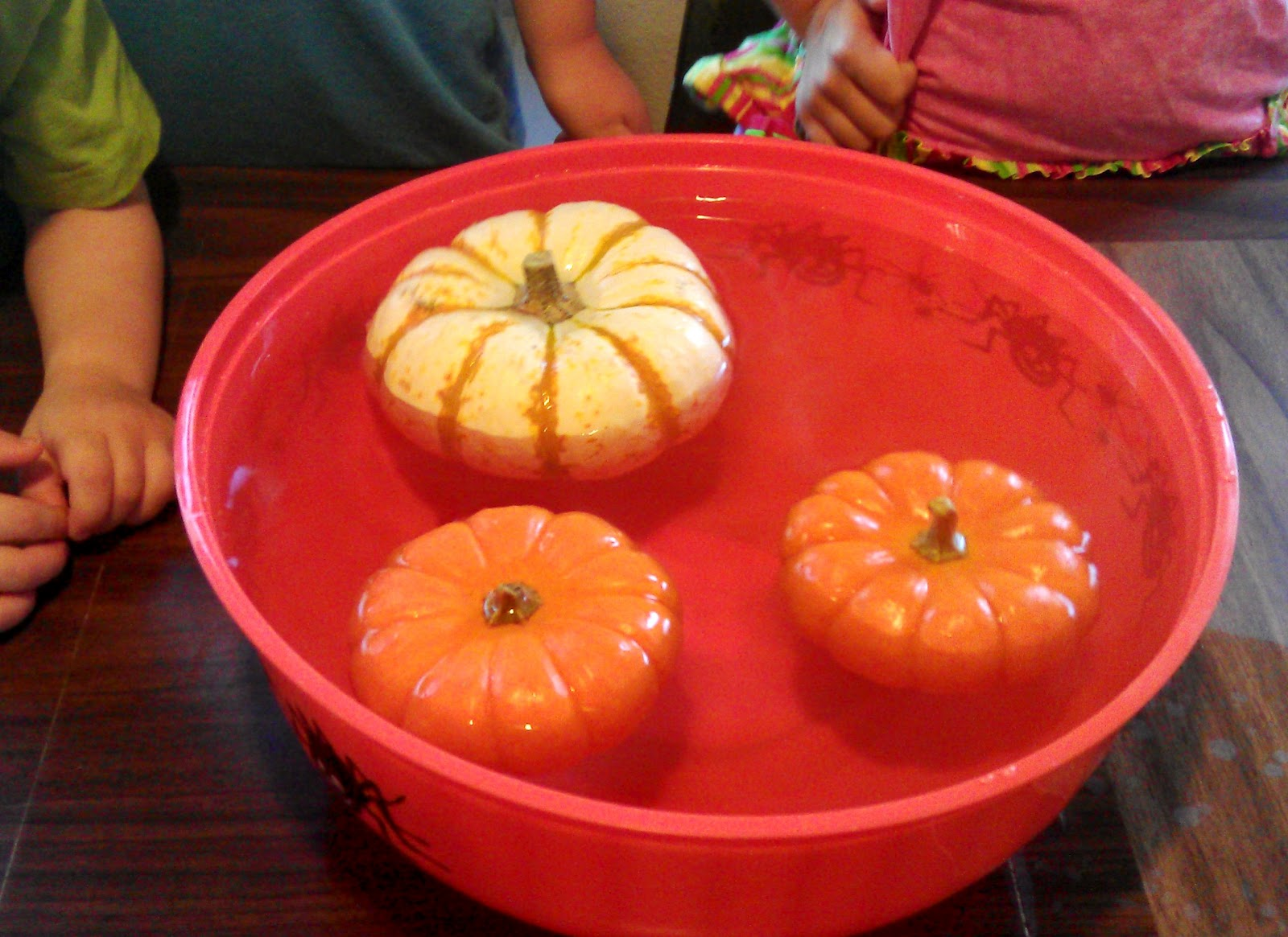 preschool pumpkin science activities pumpkin science experiment for preschoolers kindergarten 527