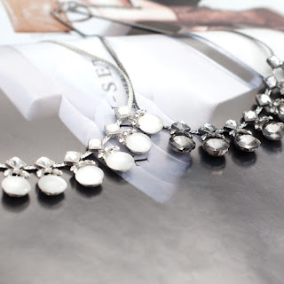http://elleez.eu/de/halsketten/2145-fashion-drops.html