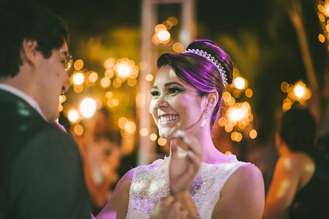 Fogos indoor, gerbs, sparkles, máquina de bolha de sabão, mesa do bolo, recepção, casamento, dança do casal