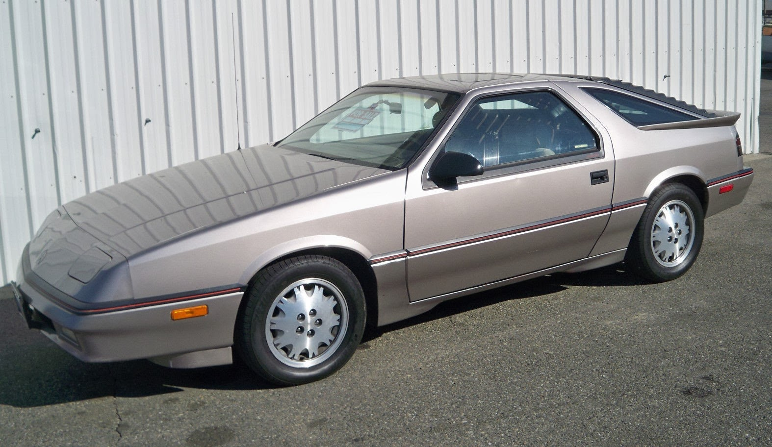 CLIC CARS OF THE 1980's: 1988 Dodge Daytona Pacifica 2.2L Turbo