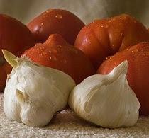 Tomates y ajos