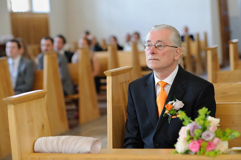 Nuotakos tėvas bažnyčioje