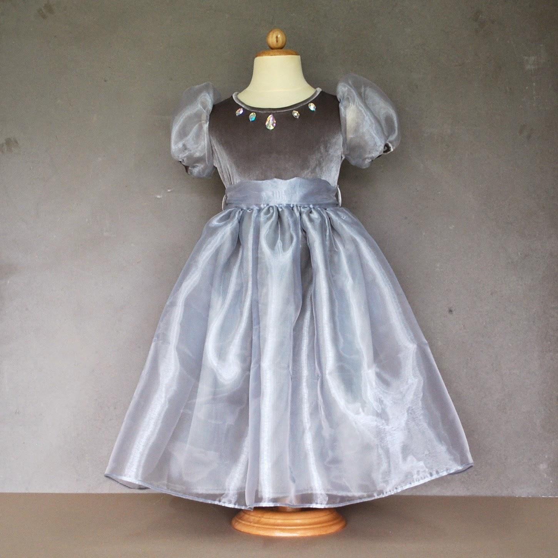 http://www.51starsparis.com/nouveautes/235-anna-silver-dress.html