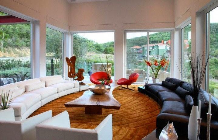 Sofa lengkung mewah