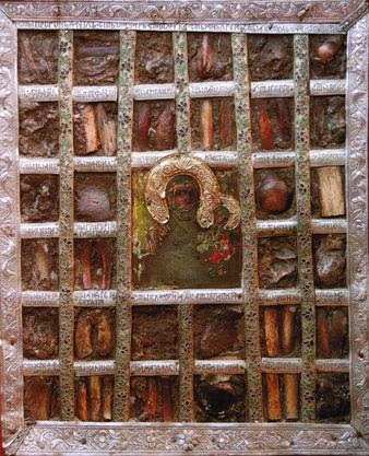 Η θαυματουργή βυζαντινή εικόνα της Παναγίας Οδηγήτριας με ενσωματωμένα λείψανα 32 αγίων http://leipsanothiki.blogspot.be/