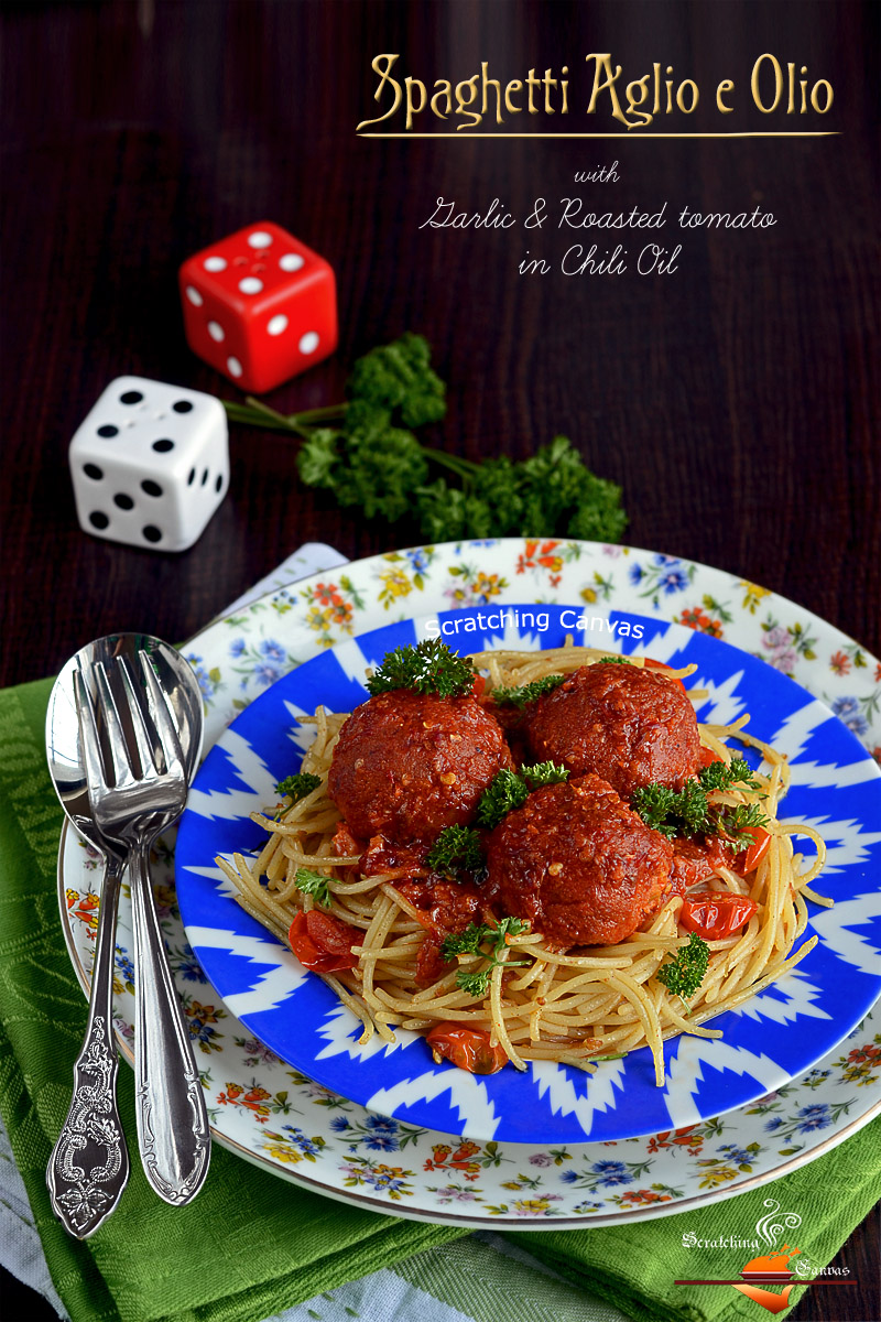 Spaghetti with garlic in chili oil
