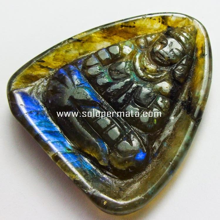 Batu Permata Labradorite Carving