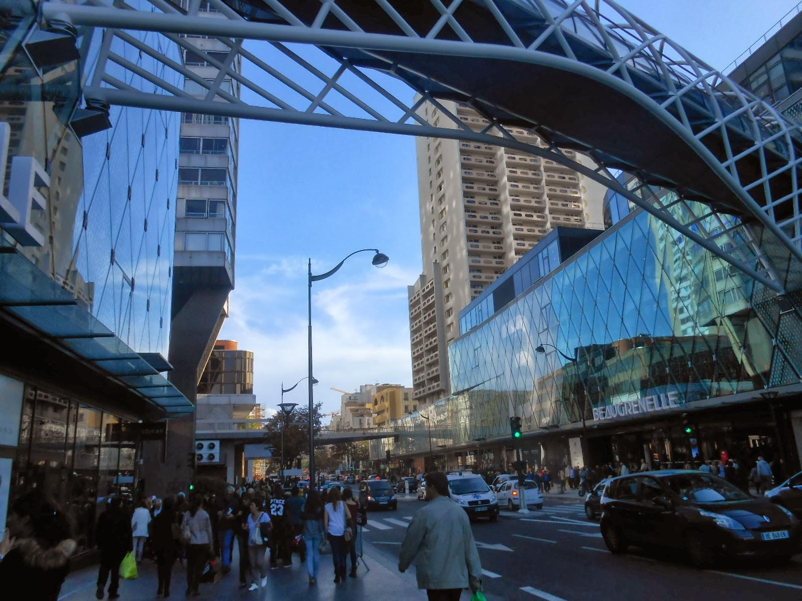 Ma fen tre sur paris le nouveau centre commercial for En bas de ma fenetre