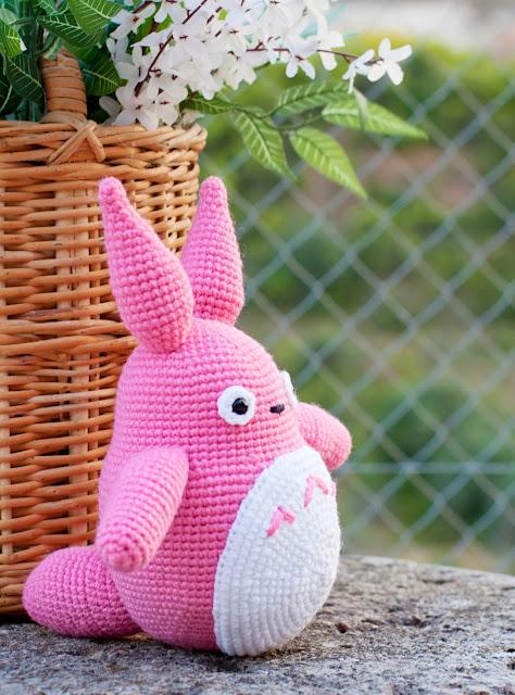 amigurumi totoro pink