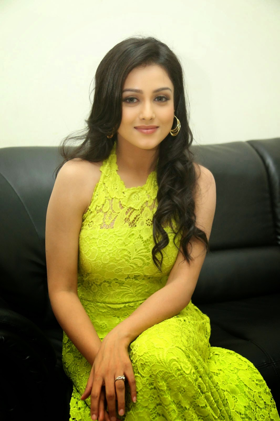 Mishti Chakraborty Gorgeous Looking Photos