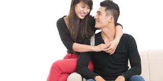 6 Faktor penyebab pria suka wanita yang lebih muda