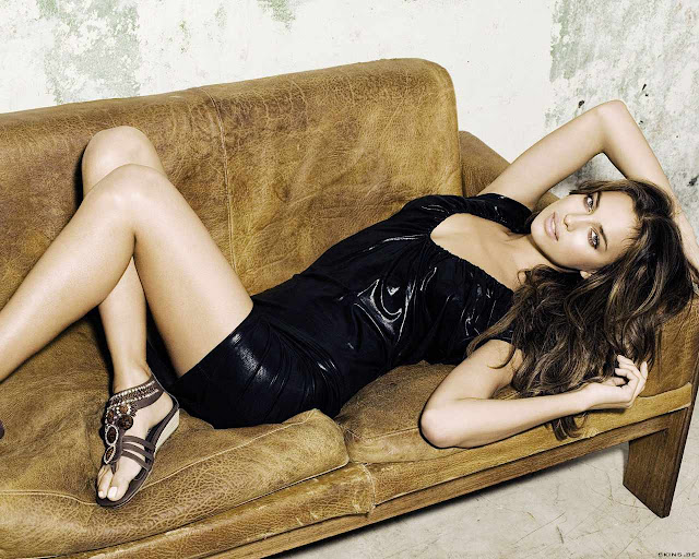 Irina Sheik sexy in faction dress