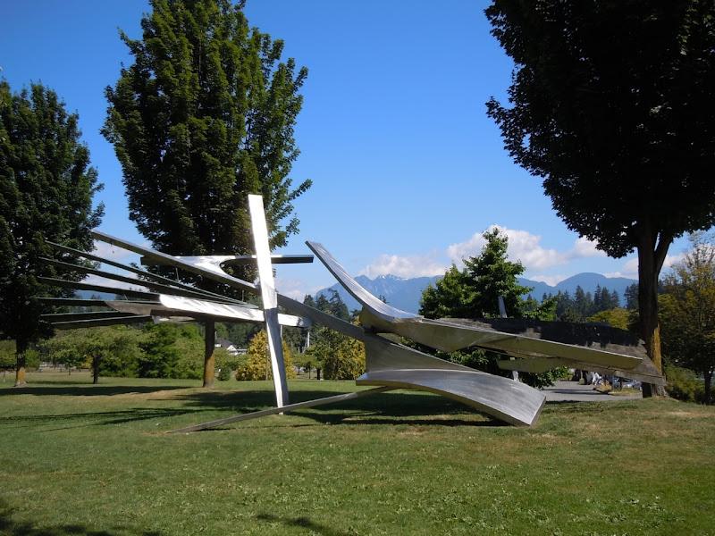 Solo sculpture vancouver