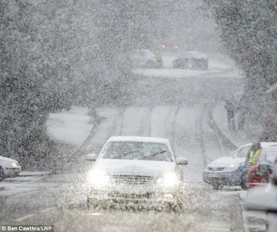 >Windy across US Northeast, The first snowfall of the season arrives across Southern UK